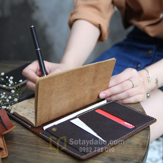 Tự làm những cuốn sổ tay từ giấy kraft
