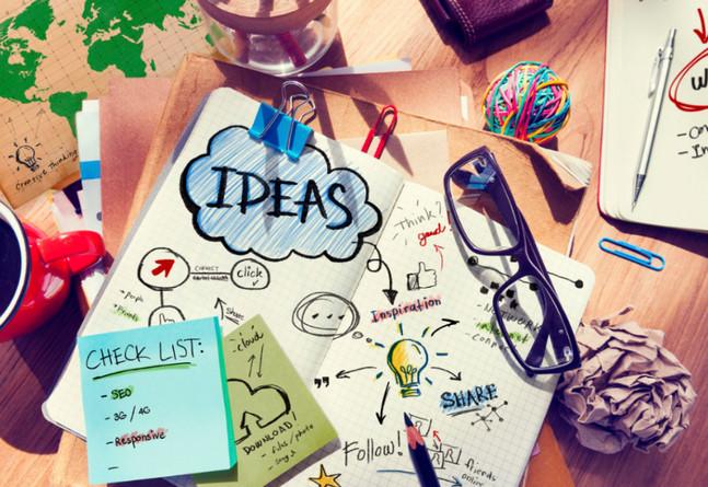 Viết ý tưởng trên sổ tay